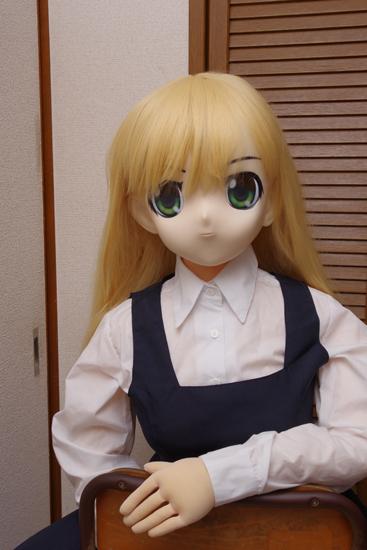 木偶の坊 セックスドール 座りタイプG 夏音 なつね 改良型にむにむに製作所のマスクを装着した写真