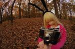 「おすわり」ののと紅葉残る初冬の公園へ 2